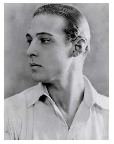 Rodolfo-Valentino-un-autentico-sciupafemmine