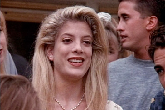 Beverly-hills-90210-la-patata-sacra-di-donna